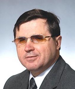 первый заместитель председателя комитета Госдумы РФ по образованию Олег Смолин (КПРФ)